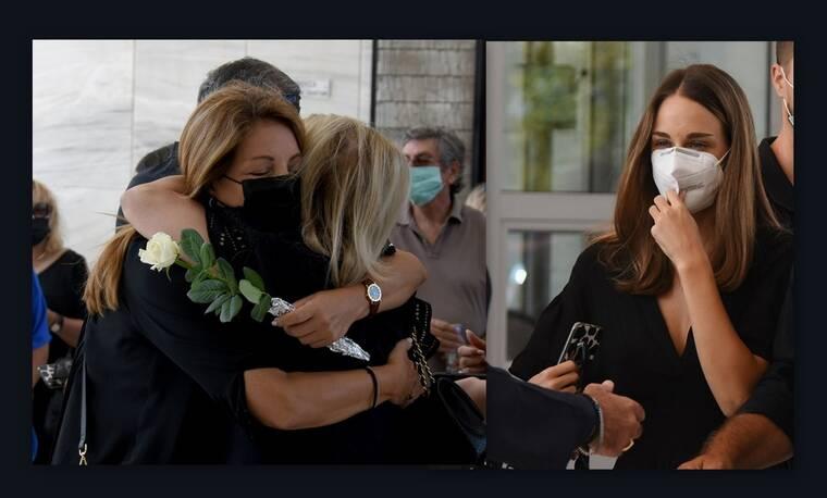 Τόλης Βοσκόπουλος: Συντετριμμένες η Άντζελα Γκερέκου και η κόρη του, Μαρία στο μνημόσυνο (Photos)