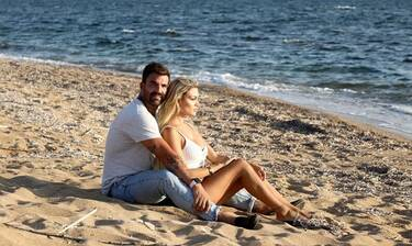 Αλεξάνδρου: Άφησε την Τούνη και τον «τσακώσαμε» αγκαλιά στην παραλία με την... Παναγιώταρου!