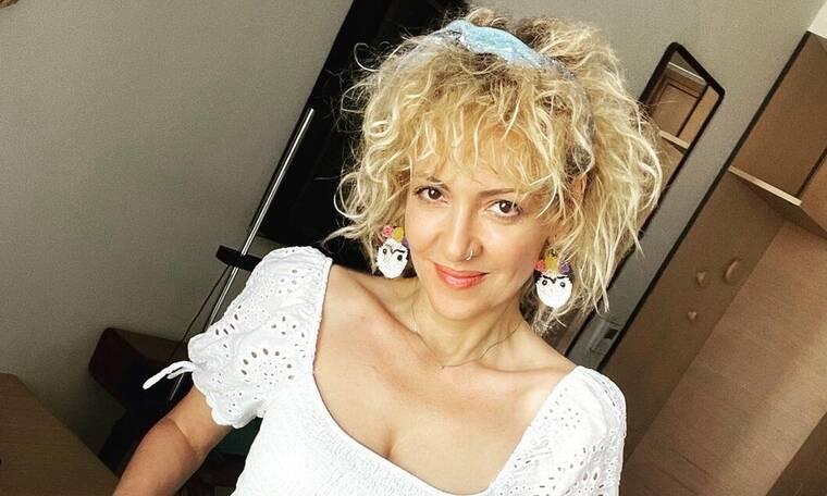 Υρώ Λούπη: Η σπάνια φωτό με το μπικίνι της και η λεπτομέρεια που απoγειώσε το summer look της