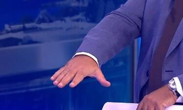 ΣΚΑΙ: Παρουσιαστής αδυνάτισε και πλέον φορά τη βέρα του! Το επικό σχόλιο on air!