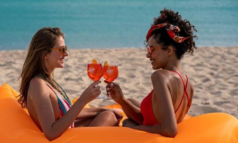 Διακοπές στην Πάρο: Οι μαγευτικές παραλίες στις οποίες θα απολαύσεις το Αperitivo Τime σου