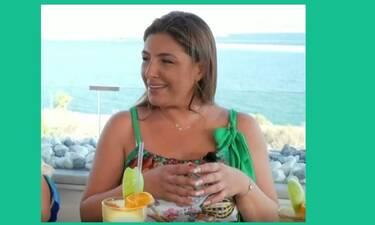 Έλενα Παπαρίζου: Η απάντηση «καρφί» στα αρνητικά σχόλια για τα κιλά της: «Γελάω»