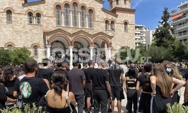 Κηδεία Mad Clip: Πλήθος κόσμου στο τελευταίο «αντίο» - Αποκλειστικές φωτογραφίες