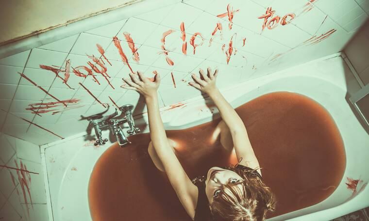 Οι 8 καλύτερες ταινίες τρόμου που αξίζει να δεις στο σπίτι