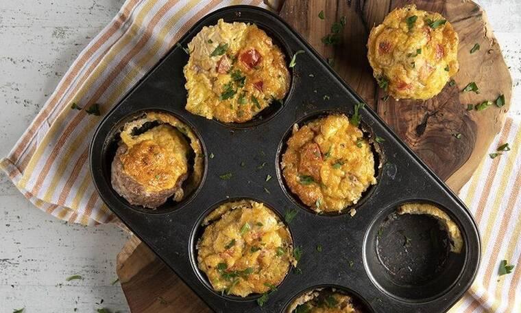 Muffins με κιμά από τον Άκη Πετρετζίκη