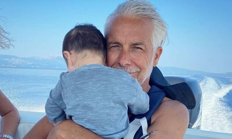Χάρης Χριστόπουλος: Απολαυστική η φωτογραφία του γιου του εν ώρα φαγητού
