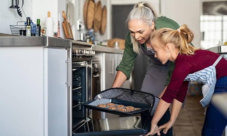 Μαμαδίστικα μυστικά για καλύτερο ψήσιμο στον φούρνο (εικόνες)