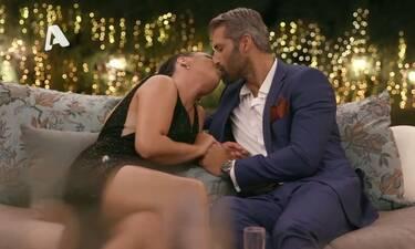 The Bachelor: Η Ιζαμπέλα αιφνιδίασε τον Παππά - Το καυτό φιλί στο στόμα