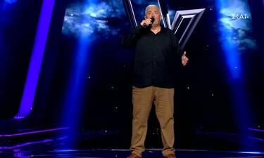 The Voice: Ο 62χρονος που βρέθηκε στο stage μετά από αίτηση που του έκαναν οι κόρες του!