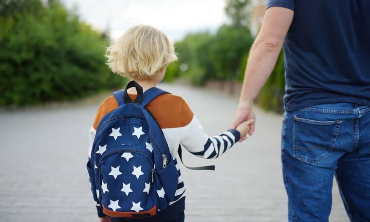 Πώς θα απολυμάνετε την τσάντα του παιδιού μετά το σχολείο
