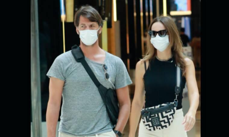 Μαγγίρα – Μάζης: Σπάνια εμφάνιση για το ζευγάρι – Τα ψώνια και το άψογο στιλ της παρουσιάστριας
