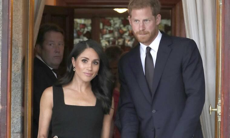 Λευκή σημαία από τον πρίγκιπα Harry και τη Meghan: Η απόφαση για τα Χριστούγεννα με τη βασίλισσα