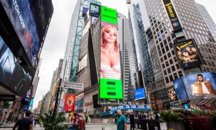 Josephine: Ξεπέρασε τα σύνορα - Μπήκε σε billboard στην Times Square!
