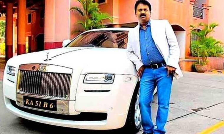 Έχει Rolls Royce κι άλλα 400 αμάξια - το επάγγελμά του θα σε κουφάνει!