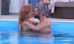 «The Bachelor»: Ο Αλέξης Παππάς ήρθε κοντά με τη Σταύη! Τα τρυφερά τετ α τετ στην πισίνα!