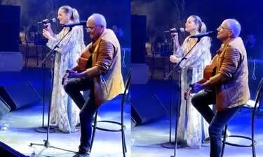 Νατάσα Μποφίλιου: Στη σκηνή με τον μπαμπά της - Ερμήνευσαν Μίκη Θεοδωράκη
