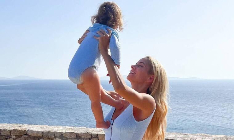 Δούκισσα Νομικού: Η κόρη της έγινε 2 ετών - Απίθανες φώτο της Αναστασίας