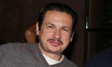 Νικολαΐδης: «Ήταν τόσο άσχημη η συμπεριφορά του σκηνοθέτη που έκλαιγα στην αγκαλιά της γυναίκας μου»