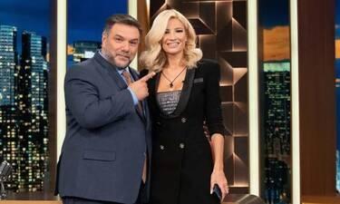 The 2night show: Ο Γρηγόρης Αρναούτογλου συναντάει την Φαίη Σκορδά και μιλάνε για όλα