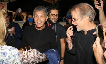 Γιώργος Νταλάρας: Η έκπληξη για τα γενέθλιά του στο Καλλιμάρμαρο και η ηλικία του