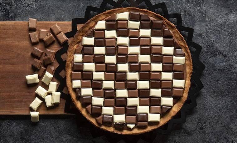 Τάρτα σοκολάτας με μπανάνα από τον Άκη Πετρετζίκη