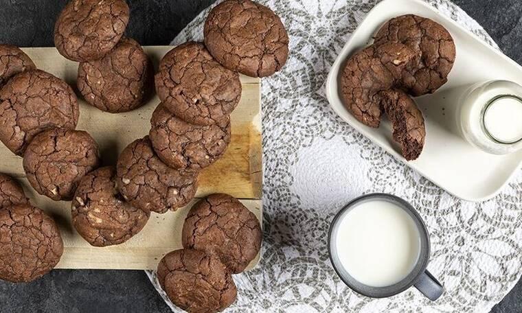 Soft cookies σοκολάτας από τον Άκη Πετρετζίκη