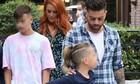 Σίσσυ Χρηστίδου - Θοδωρής Μαραντίνης: Καρέ καρέ η βόλτα με τα παιδιά τους στην Κηφισιά (Photos)