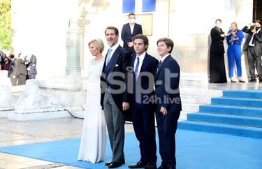 Γάμος Φίλιππου – Νίνα Φλορ: Οι λαμπεροί καλεσμένοι και οι κυρίες που εντυπωσίασαν (Photos+video)